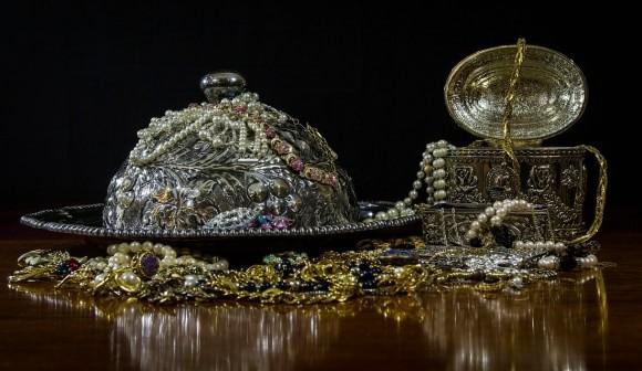 jewels-395112_1280-min