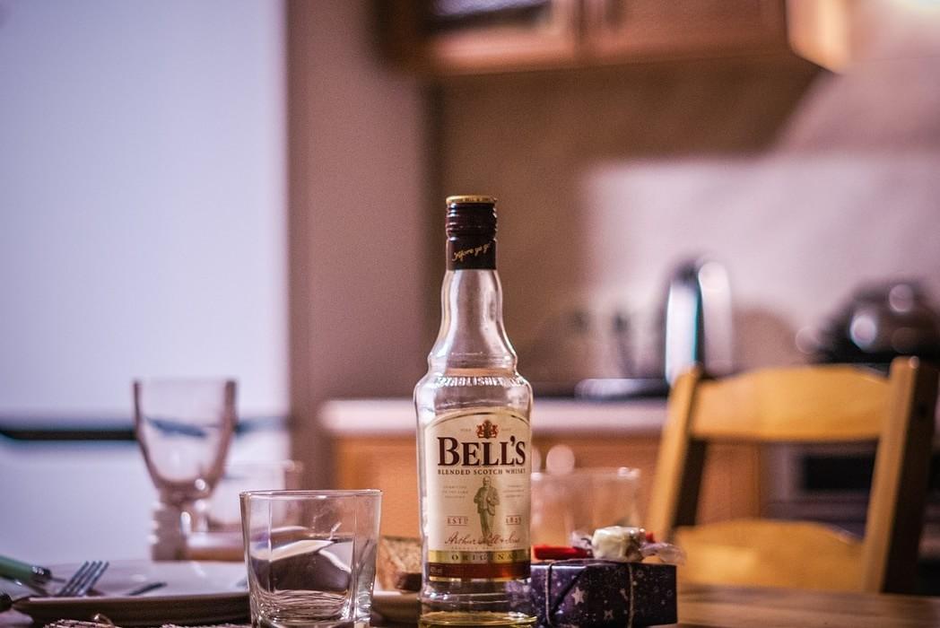 whiskey-624290_1280-min