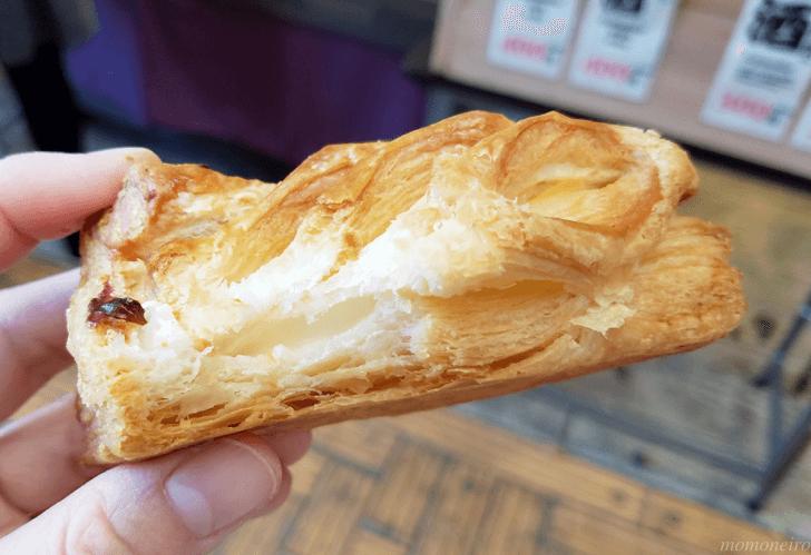 花月堂 濃厚レアチーズパイの中身