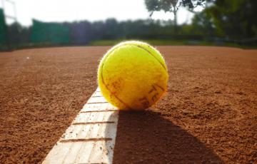 m_tennis-251907_1920 2