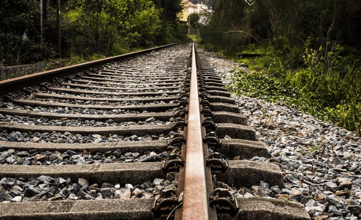 m_rail-1238185_1920