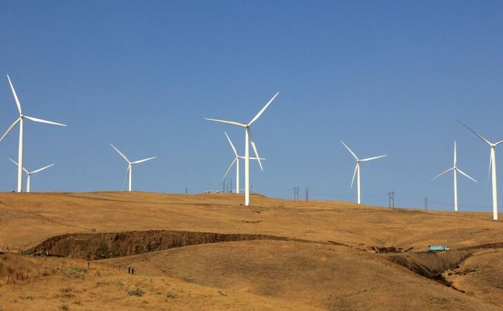 wind-turbine-937713_1280