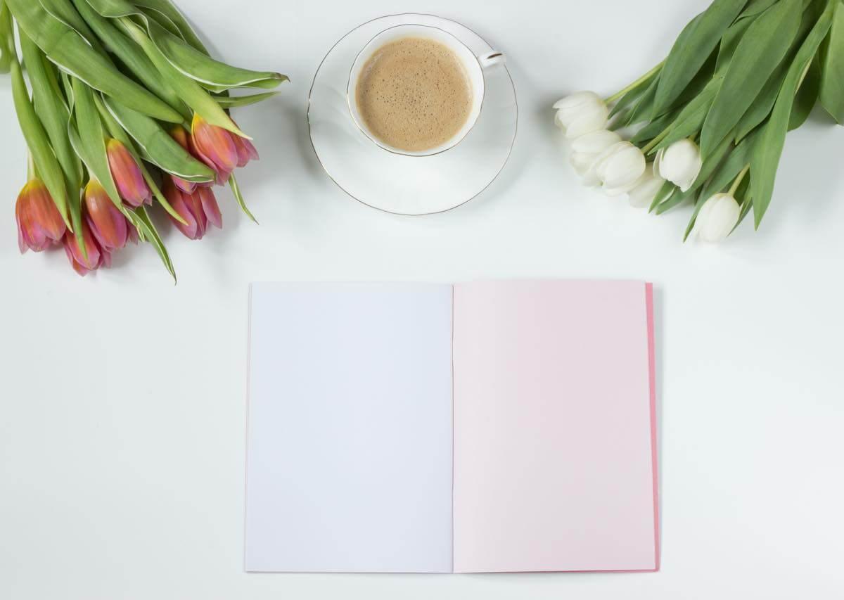 チューリップとコーヒーとノート