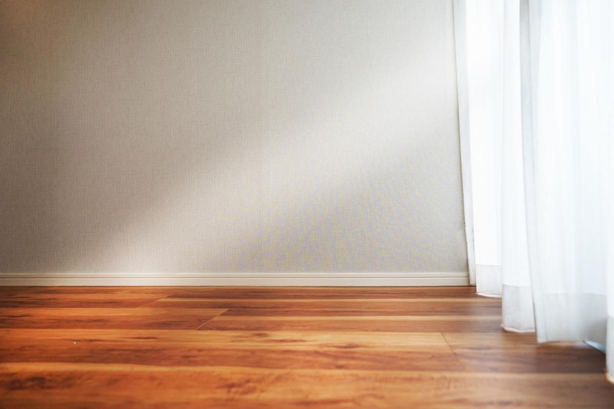 光が指す部屋