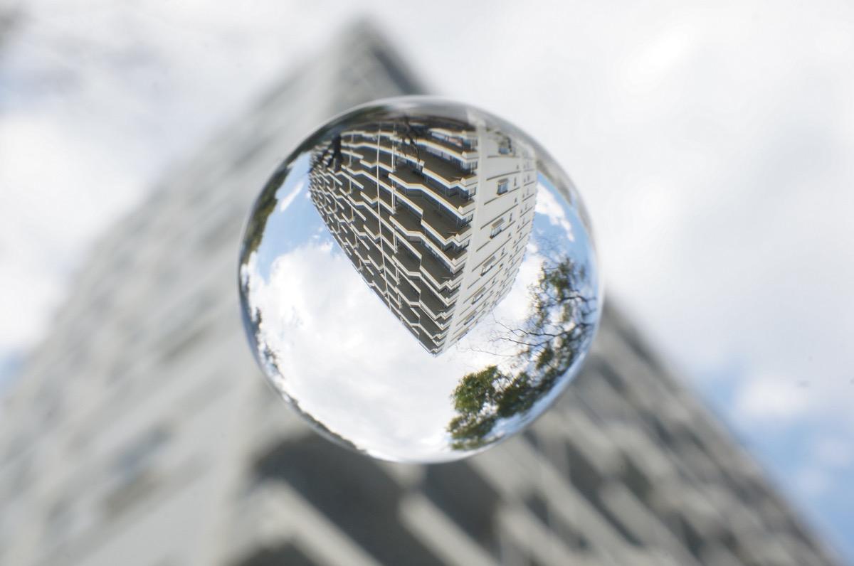 マンションと水晶玉