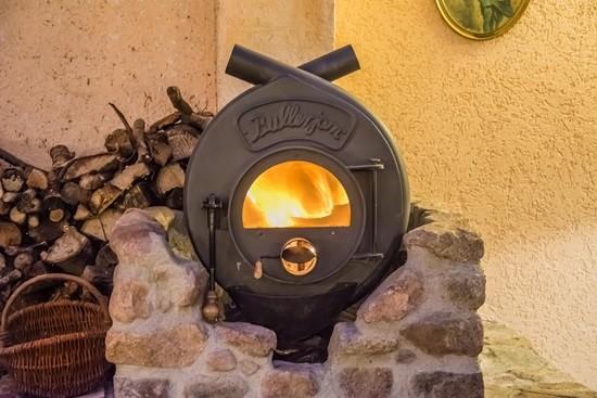 fireplace-514101_1280-min