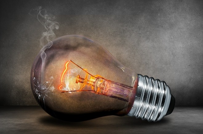light-bulb-503881_1280-min